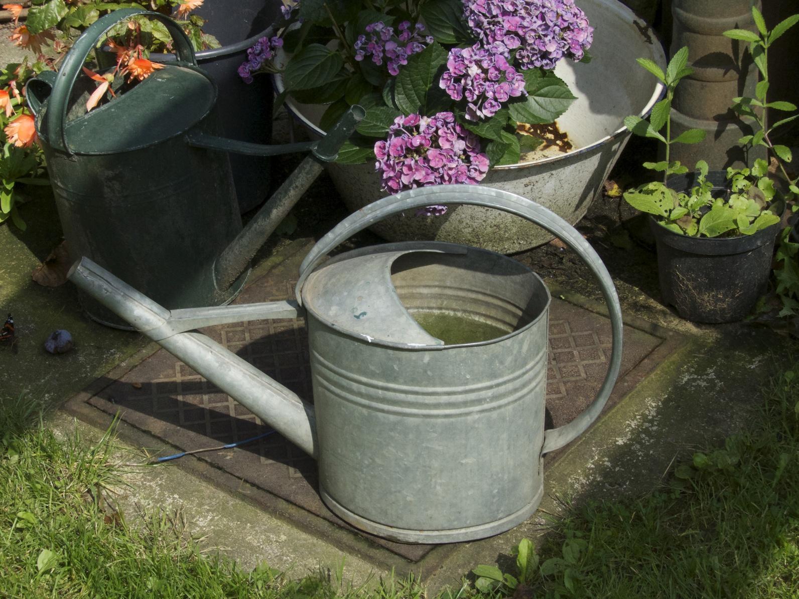 Deko fuer den Garten: Besonders aus altem Blech